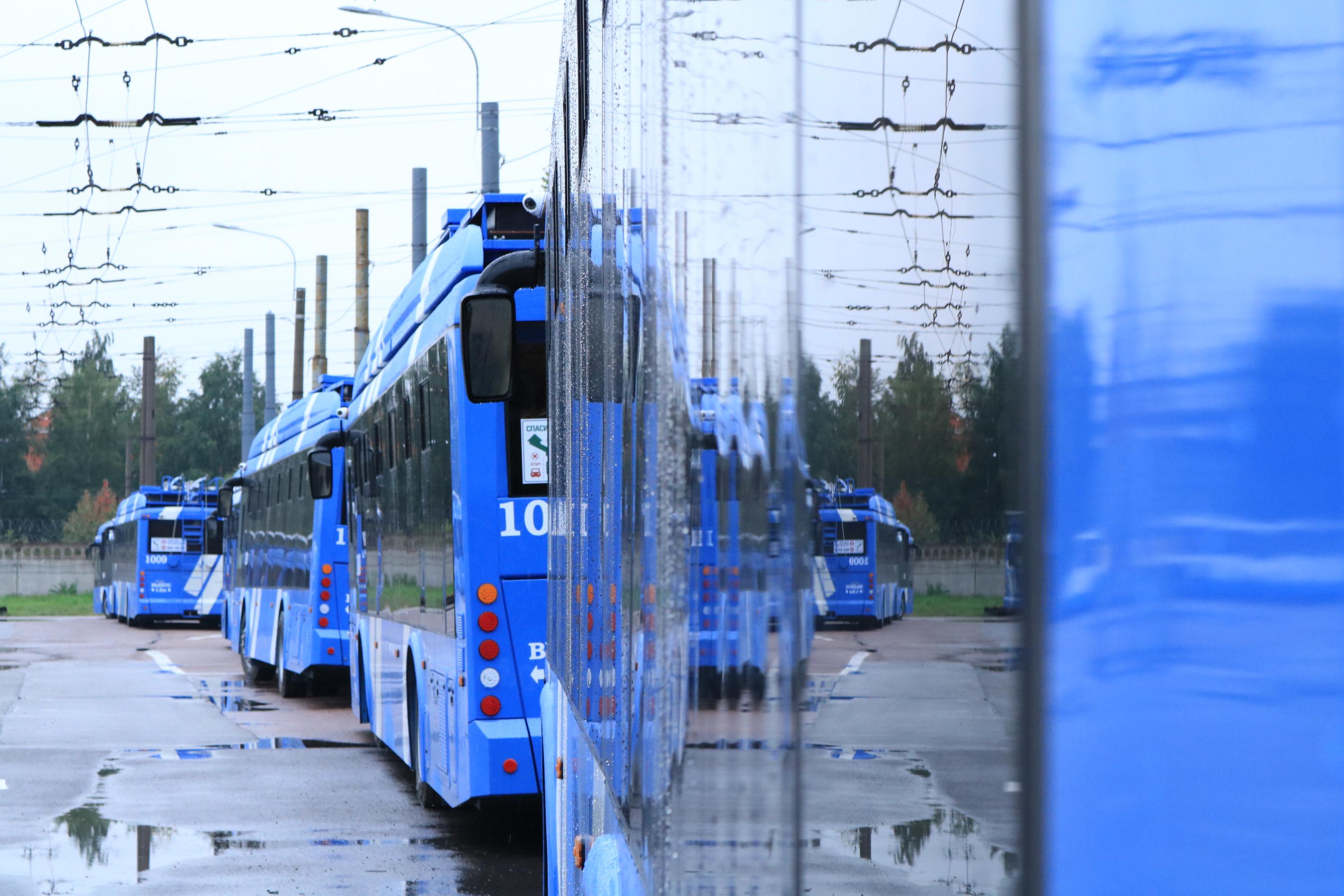 Петербургский троллейбус открыл 82-й сезон